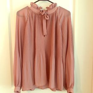Blush blouse perfect for work